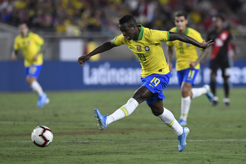 LOS ANGELES, CALIFORNIA - SEPTEMBER 10: Vinicius Jr. #19 of Brazil kicks the ball in the 2019 International Champions Cup match against Peru on September 10, 2019 in Los Angeles, California. (Photo by Kevork Djansezian/Getty Images)