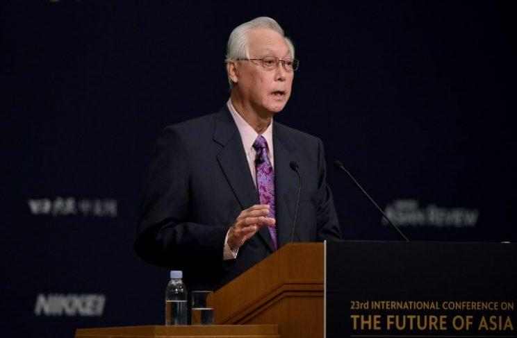 Former prime minister Goh Chok Tong has asked Singaporeans to urge Prime Minister Lee and his siblings to settle their dispute in private.(Photo: AFP)