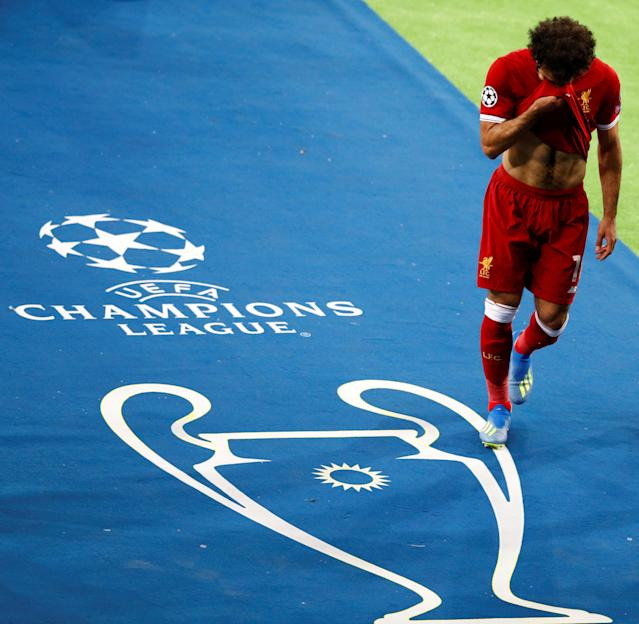 Soccer Football - Champions League Final - Real Madrid v Liverpool - NSC Olympic Stadium, Kiev, Ukraine - May 26, 2018 Liverpool's Mohamed Salah reacts as he is substituted after sustaining an injury REUTERS/Phil Noble TPX IMAGES OF THE DAY
