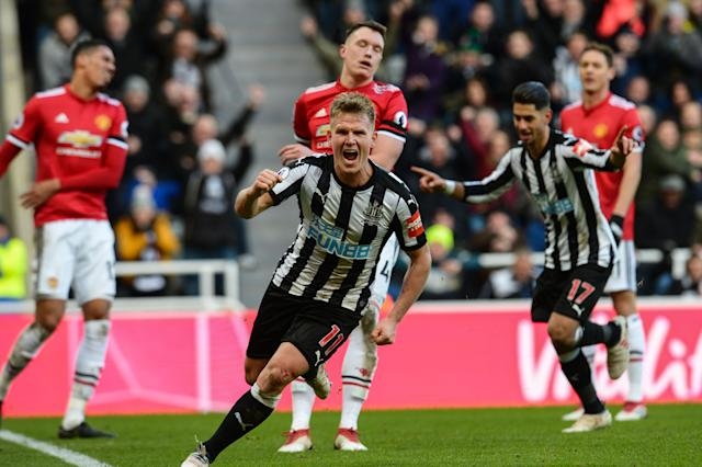 Matt Ritchie celebrates his goal in Newcastle's 1-0 victory over Manchester United. (Getty)