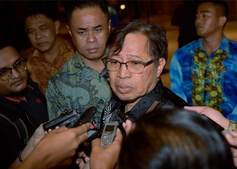 Sarawak Chief Minister Datuk Patinggi Abang Johari Openg says taking away people's lands is 'a big sin'. — Bernama pic