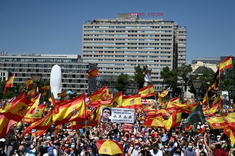 A mass protest in Madrid aiming to put pressure on Prime Minister Pedro Sanchez over plans to pardon jailed separatists
