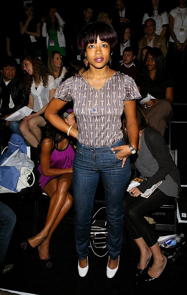 """Singer/songwriter Kelis had a front row seat for Ukrainian designer Veronika Jeanvie's U.S. debut and this is what she wore? Michael Tran/<a href=""""http://filmmagic.com/"""" target=""""new"""">FilmMagic.com</a> - March 10, 2008"""