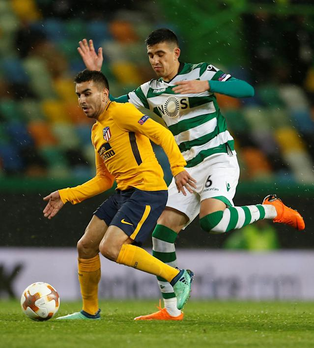 Soccer Football - Europa League Quarter Final Second Leg - Sporting CP v Atletico Madrid - Estadio Jose Alvalade, Lisbon, Portugal - April 12, 2018 Atletico Madrid's Angel Correa in action with Sporting's Rodrigo Battaglia REUTERS/Pedro Nunes