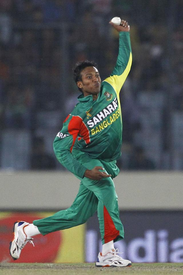 Bangladesh's Shakib Al Hasan bowls during their match against Pakistan in the Asia Cup one-day international cricket tournament in Dhaka, Bangladesh, Tuesday, March 4, 2014. (AP Photo/A.M. Ahad)