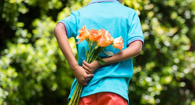 Parents are using different approaches to teach their children to be kind.  (Photo: Getty Images)