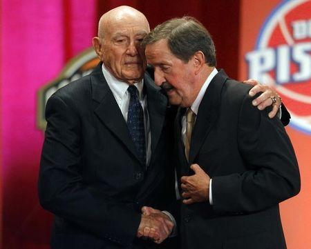 Inductee Herb Magee (R) gets a hug from his presenter, Hall of Fame Coach Jack Ramsay, during the Naismith Memorial Basketball Hall of Fame Class of 2011 Enshrinement Ceremony in Springfield, Massachusetts August 12, 2011. REUTERS/Brian Snyder