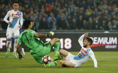 Football Soccer - Napoli v Juventus - Italian Serie A - San Paolo stadium, Naples, Italy - 2/4/17 Napoli's Dries Mertens in action with Juventus' Gianluigi Buffon Reuters / Ciro De Luca Livepic