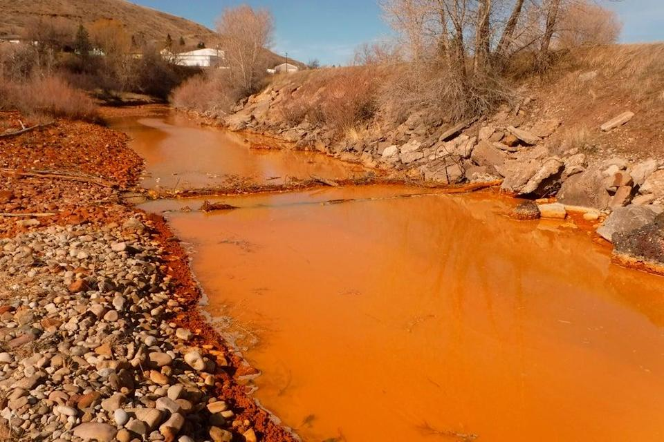 Abandoned Mines Cleanup (ASSOCIATED PRESS)