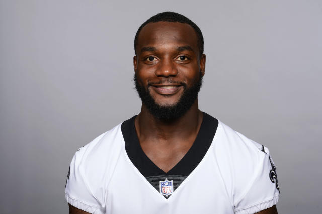 "<a class=""link rapid-noclick-resp"" href=""/nfl/players/28371/"" data-ylk=""slk:Delvin Breaux"">Delvin Breaux</a> was diagnosed with a fractured fibula. (AP)"