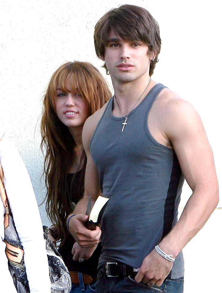"""Forget Miley! Check out her underwear model/""""Nashville Star"""" reject/rumored main squeeze Justin Gaston. Yum! AlphaX/<a href=""""http://www.x17online.com"""" target=""""new"""">X17 Online</a> - September 15, 2008"""
