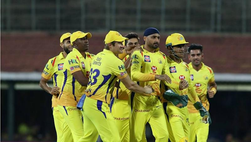 As Mumbai Indians Tweet 'Live Score of IPL 2020 Opening Match', Dejected Fans Post Memes on How They Miss MI vs CSK Encounter (Read Tweets)