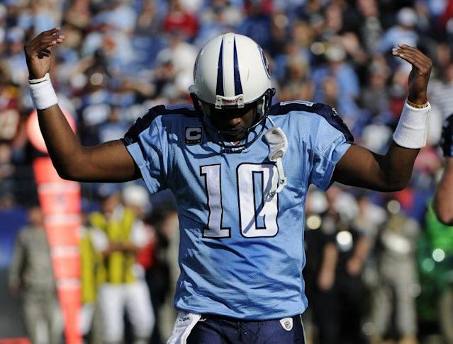 Vince Young, shown here with the Titans, wants to make a comeback. (AP)