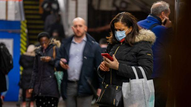 PHOTO: A traveler wears a medical mask at Grand Central station in the Manhattan borough of New York City, New York, U.S., March 5, 2020. (David Dee Delgado/Getty Images)