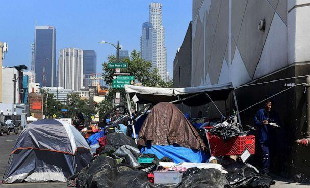 PHOTO: Belongings of the homeless crowd a downtown Los Angeles sidewalk in Skid Row on May 30, 2019. (Frederic J. Brown/AFP/Getty Images, FILE)