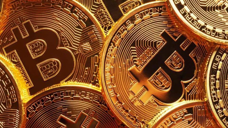Government attempts to ban Bitcoin again; Considers digitizing the rupee