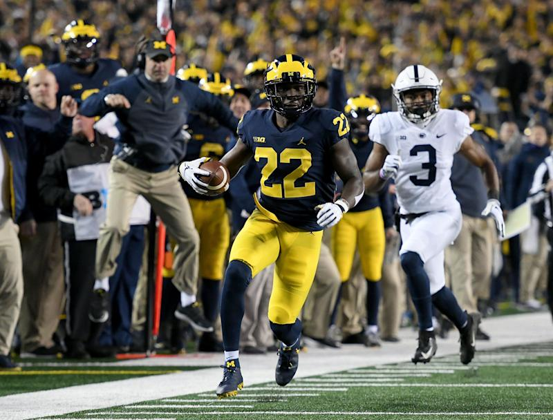ANN ARBOR, MI. - NOVEMBER 03: Michigan defensive back David Long runs up the sidelines after intercepting a pass off Penn State quarterback Trace McSorley during the fourth quarter of a college football game against Penn State University on November 3, 2018, in Ann Arbor, MI. (Photo by Lon Horwedel/Icon Sportswire via Getty Images)