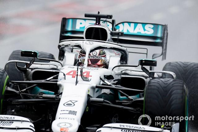 "Lewis Hamilton, Mercedes AMG F1 W10 pit stop <span class=""copyright"">Joe Portlock / LAT Images</span>"