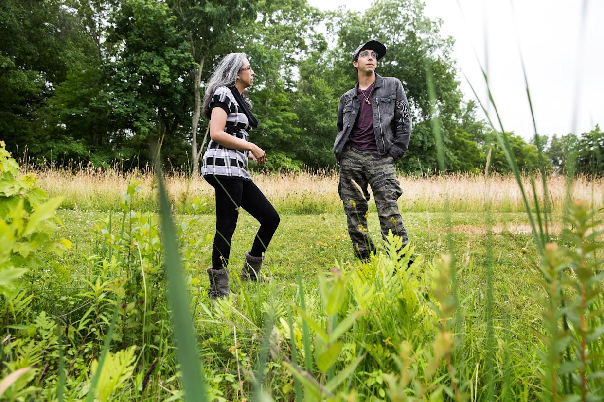 Gina Aparicio and Michael Matt explore the grounds of Osamequin Farm in Seekonk, Mass., on June 23, 2018. (Photo: Kayana Szymczak for Yahoo News)