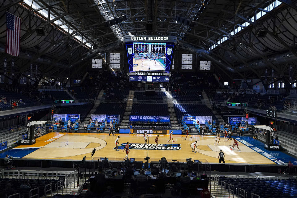 Florida plays against Virginia Tech in the first half of a first round game in the NCAA men's college basketball tournament at Hinkle Fieldhouse in Indianapolis, Friday, March 19, 2021. (AP Photo/Michael Conroy)