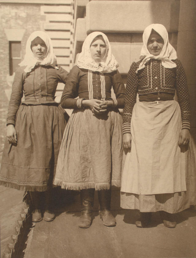 <p>Slovakian women. (Photograph by Augustus Sherman/New York Public Library) </p>