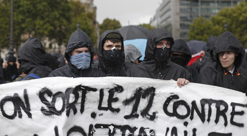 Protests over French labor overhaul grip Paris, other cities