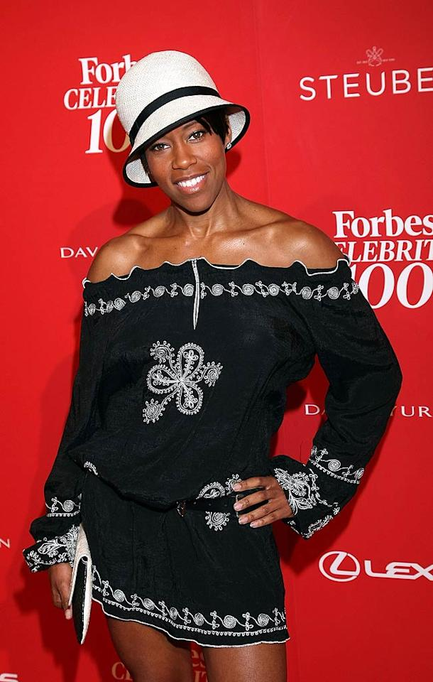 """Actress Regina King flaunted a super short off-the-shoulder dress and white hat as she strolled the red carpet. Arnold Turner/<a href=""""http://www.wireimage.com"""" target=""""new"""">WireImage.com</a> -June 9, 2011"""