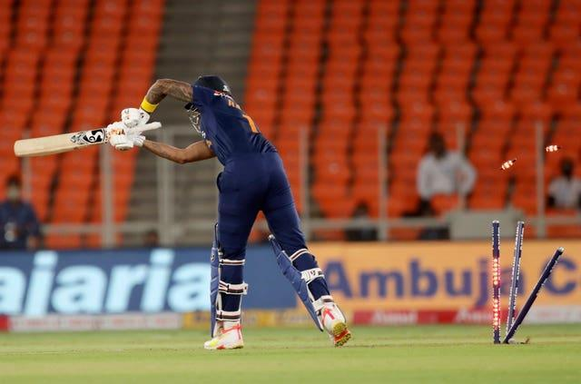 KL Rahul is bowled by Mark Wood