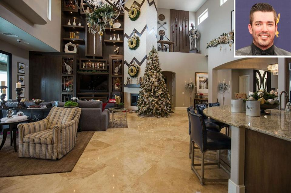 See Inside Jonathan Scott's Las Vegas Home Decked Out for the Holidays: 'I Am a Christmas Nerd'