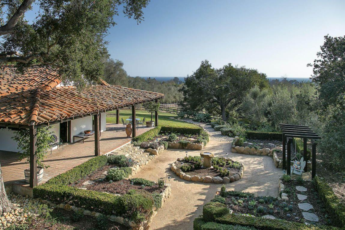 Ellen DeGeneres has a vast new property, according to a report. (Photos: Images courtesy of Trulia)