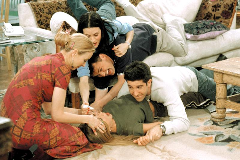 The cast of 'Friends,' which celebrates its 25th anniversary this year (Photo: Warner Bros. / Courtesy: Everett Collection)