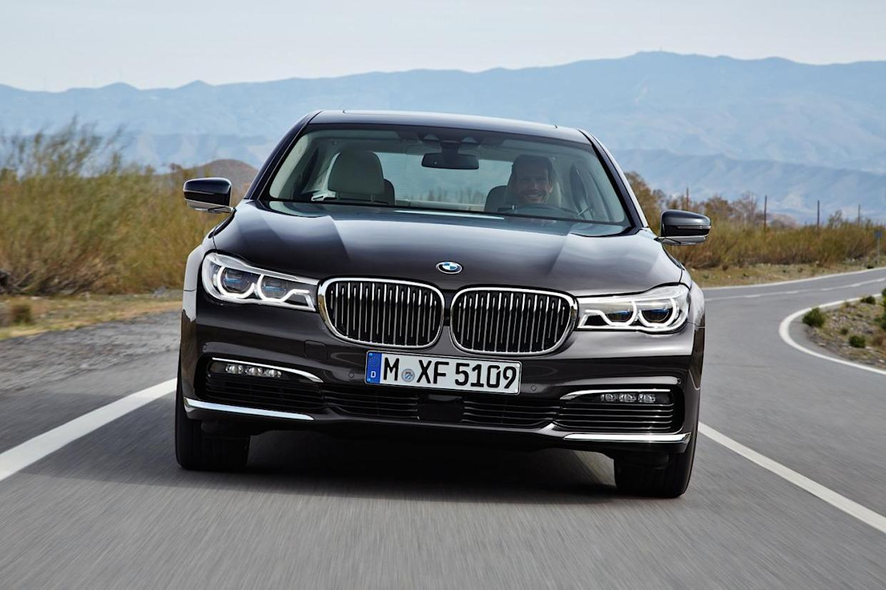 2016 BMW 7-Series Revealed As A Tech-tonic Limo