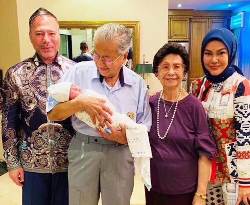 Datin Seri Umie Aida (right) was overjoyed as her newly adopted baby girl, Aisya, received a warm welcome from Prime Minister Tun Dr Mahathir Mohamad and his wife Tun Dr Siti Hasmah. — Instagram/@umieaida9