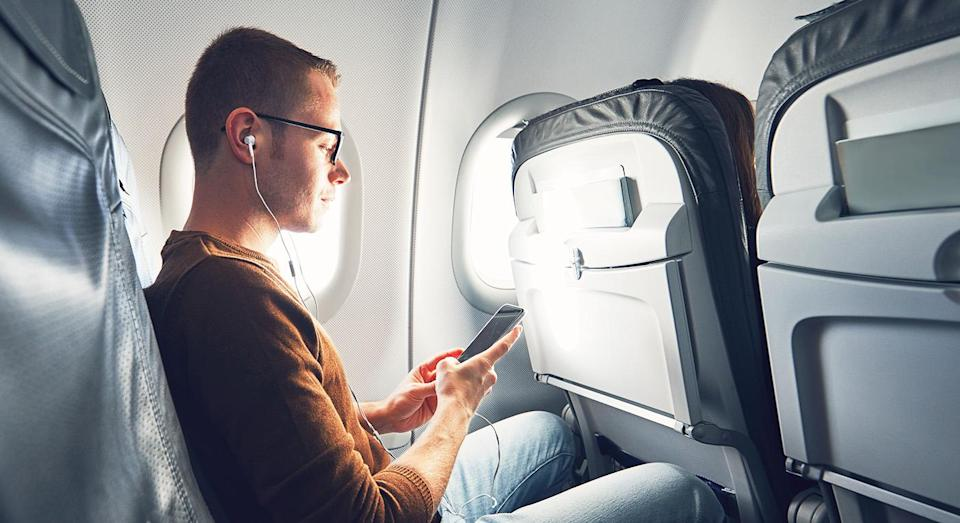 One plane passenger racked up a £231 bill after leaving his phone in his hand luggage and not putting it on flight mode for the duration of the flight. [Photo: Getty Images]