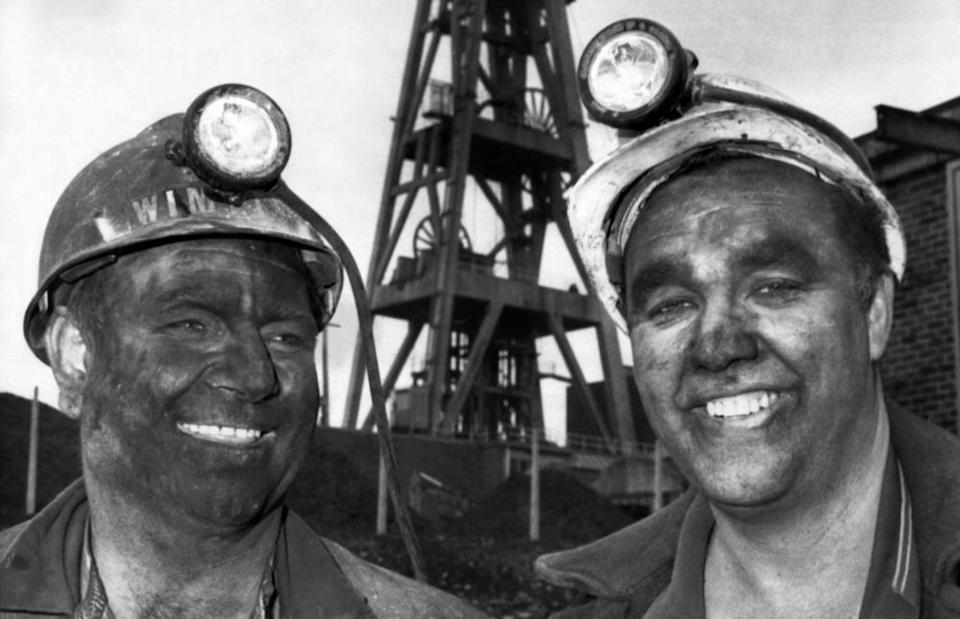 Coal miners in St Helens after a shift, February 1972.