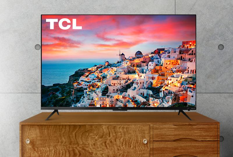 Save 35 percent on this TCL 65-inch 4K TV — only $600. (Photo: Amazon)