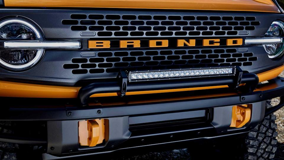 2021 Ford Bronco front grille with accessories