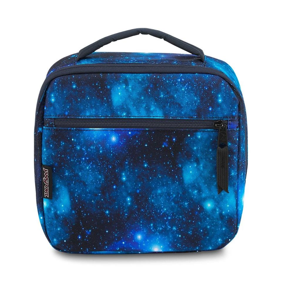 """<p>In this <a href=""""https://www.popsugar.com/buy/JanSport-Lunch-Break-476573?p_name=JanSport%20Lunch%20Break&retailer=amazon.com&pid=476573&price=22&evar1=moms%3Aus&evar9=46466031&evar98=https%3A%2F%2Fwww.popsugar.com%2Ffamily%2Fphoto-gallery%2F46466031%2Fimage%2F46466262%2FJanSport-Lunch-Break&list1=back%20to%20school%2Ckid%20shopping%2Cback%20to%20school%20shopping&prop13=api&pdata=1"""" rel=""""nofollow"""" data-shoppable-link=""""1"""" target=""""_blank"""" class=""""ga-track"""" data-ga-category=""""Related"""" data-ga-label=""""https://www.amazon.com/JanSport-JS0A2WJX-Lunch-Break-Galaxy/dp/B071Z9TJ1F/ref=sr_1_1_sspa?keywords=jansport+lunch+box&amp;qid=1565192993&amp;s=toys-and-games&amp;sr=1-1-spons&amp;psc=1"""" data-ga-action=""""In-Line Links"""">JanSport Lunch Break</a> ($22), their lunch will always be out of this galaxy.</p>"""