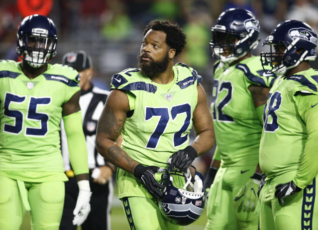 The Seahawks agreed to trade defensive end Michael Bennett (72) to the Eagles. (AP)