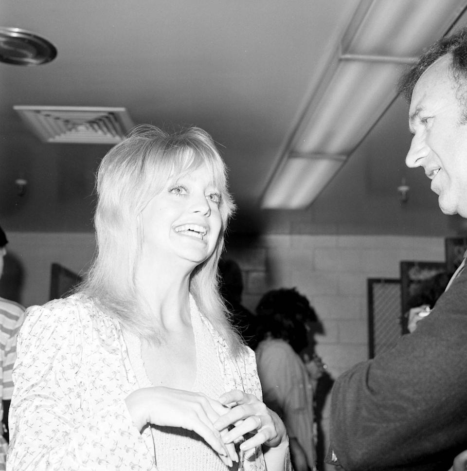 <p>Goldie Hawn attends a party in Los Angeles, California in 1972.</p>