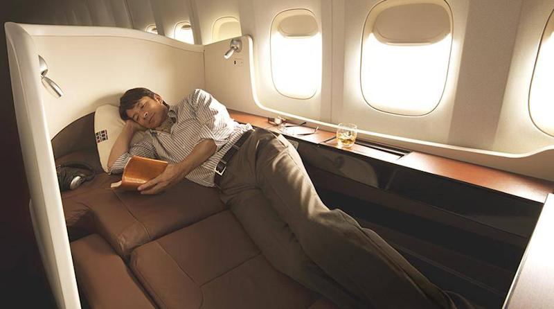 Passengers can choose a soft or firm sleeping surface (Japan Airlines)