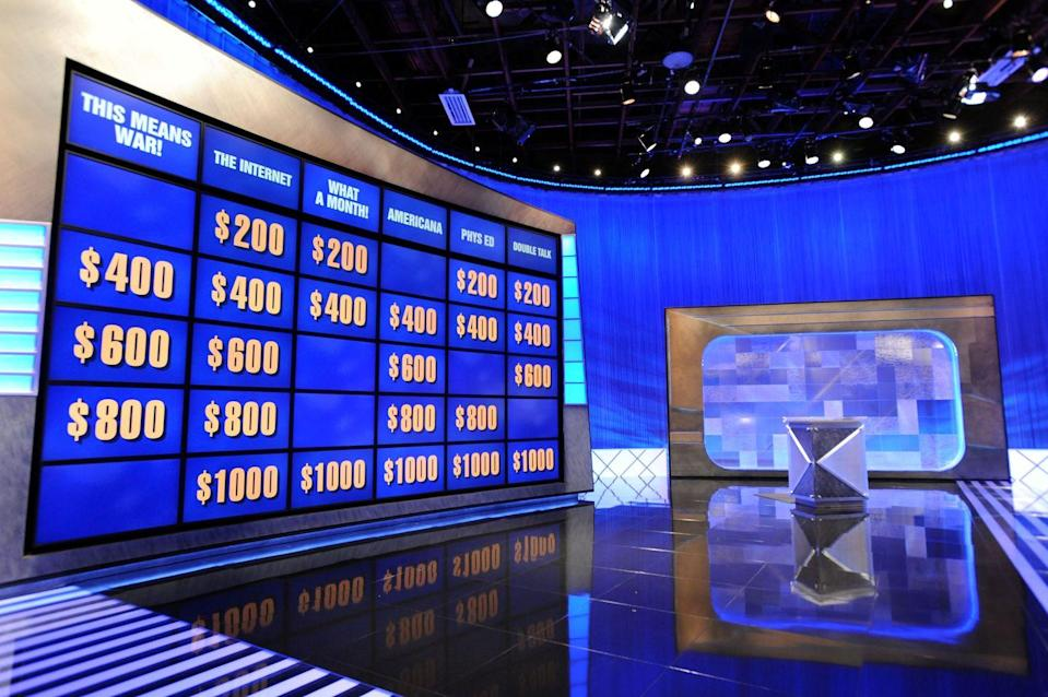 """<p>Production breaks between shooting the third and fourth episode of the day, from <a href=""""https://www.jeopardy.com/jbuzz/cast-crew/day-life-alex-trebek-tape-day"""" rel=""""nofollow noopener"""" target=""""_blank"""" data-ylk=""""slk:2 p.m. until 3 p.m."""" class=""""link rapid-noclick-resp"""">2 p.m. until 3 p.m.</a>. The final two episodes are filmed in front of a new studio audience and the day typically ends around 4:15 p.m.</p>"""