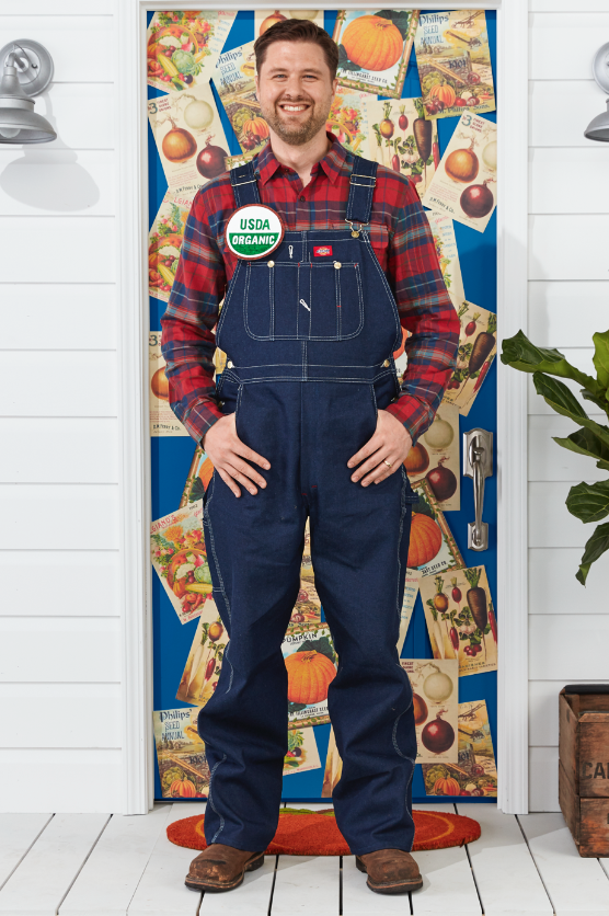 """<p>Though all you really need is a flannel and a pair of overalls to put together this look, a handcrafted """"USDA Organic"""" pin really brings it all together.</p><p><a class=""""link rapid-noclick-resp"""" href=""""https://www.amazon.com/Boyland-Overall-Cotton-Casual-Relaxed/dp/B08CV7YSCC?tag=syn-yahoo-20&ascsubtag=%5Bartid%7C10070.g.490%5Bsrc%7Cyahoo-us"""" rel=""""nofollow noopener"""" target=""""_blank"""" data-ylk=""""slk:SHOP OVERALLS"""">SHOP OVERALLS</a></p>"""