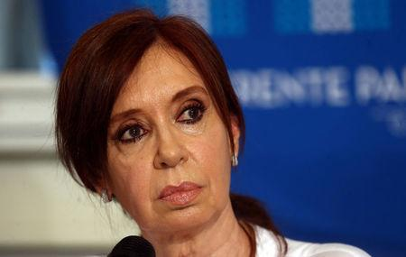 Former Argentine President and Senator Cristina Fernandez de Kirchner looks at journalists during a news conference at the Congress in Buenos Aires, December 7, 2017. REUTERS/Marcos Brindicci