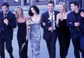 'Friends' turns 25: Lisa Kudrow, Courteney Cox get nostalgic with throwback picture