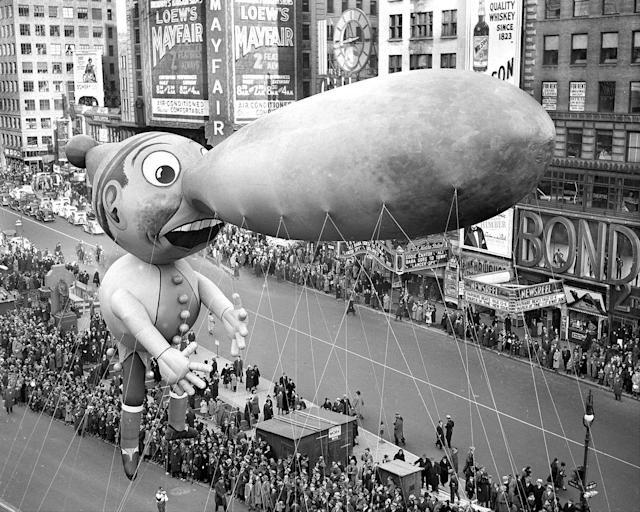 <p>Balloons float down Broadway in thirteenth annual Macy's Thanksgiving Day parade. (Photo: Walter Kelleher/New York Daily News Archive via Getty Images) </p>