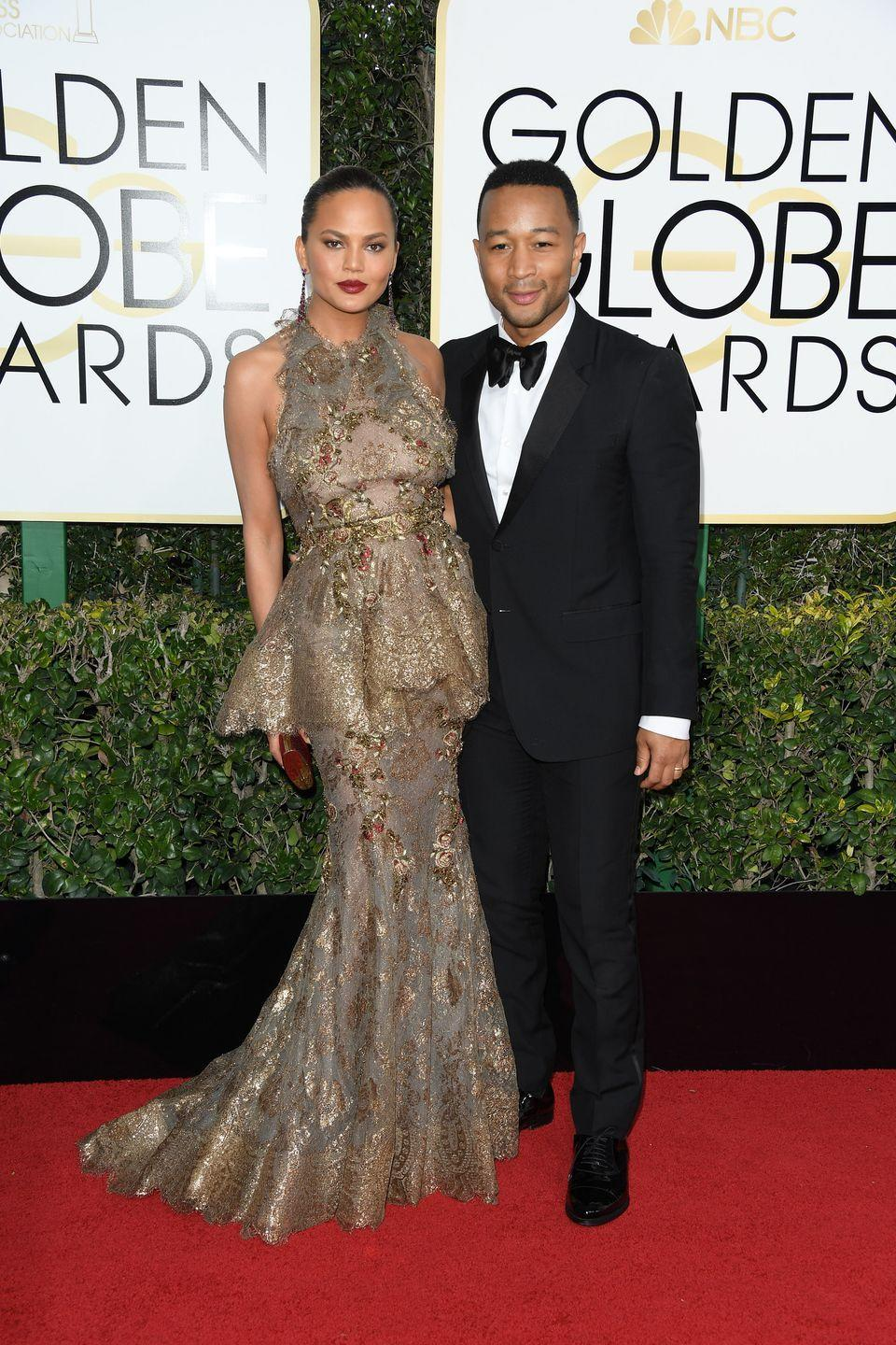 <p>The couple pose up a storm on the Golden Globes' red carpet.</p>