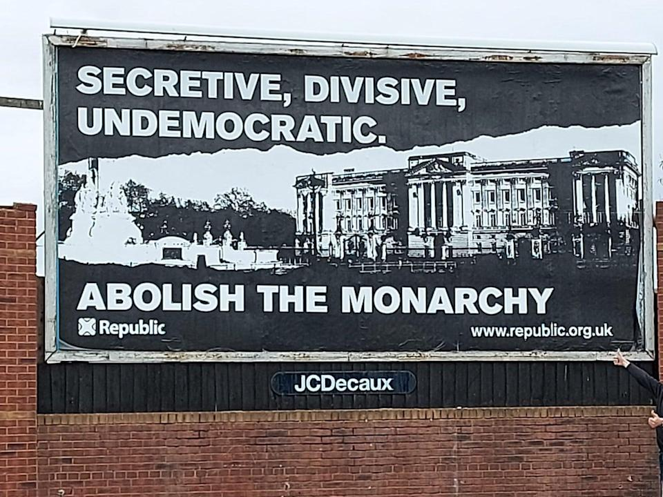 Billboard campaign calling for an end to the monarchy (Republc)