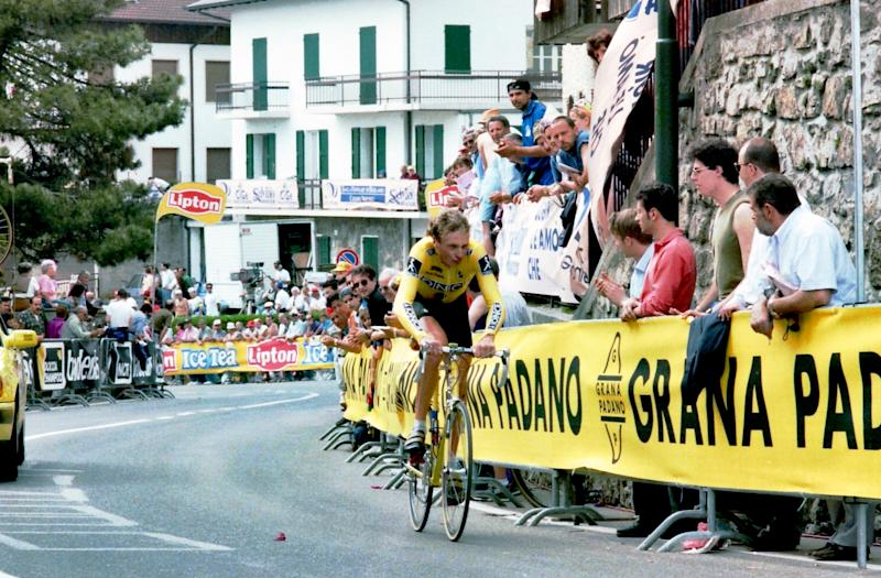 Pat Jonker in action in the Selvino time trial on the 1995 Giro d'Italia.