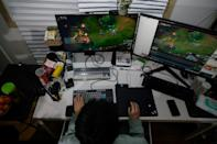 Kim Min-kyo's gaming prowess, quick-witted commentary and high-school-level humour has seen his income climb to about $50,000 a month